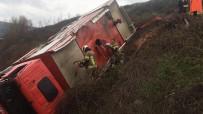 BOĞAZKÖY - Yangına Giden İtfaiye Aracı Şarampole Uçtu