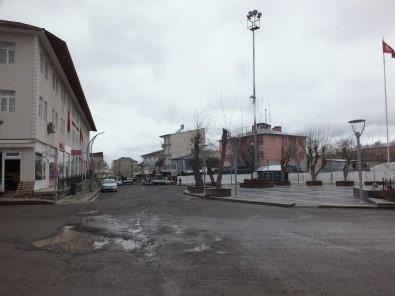 Malazgirt Çarşı Merkezi Boş Kaldı