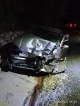 Bilecik'te Otomobil İle Hafif Ticari Araç Çarpıştı Açıklaması 3 Yaralı