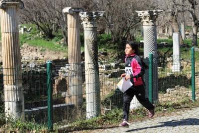 Sporcular Antik Kentte Yarıştı