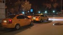 TAKSİ ŞOFÖRÜ - Başkent'te Taksiciler Bakanlığın Genelgesine Uydu