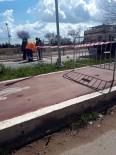 YÜRÜYÜŞ YOLU - Bisiklet Yolu İle Yürüyüş Yolu Kapatıldı