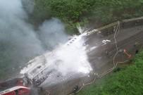 GUANGZHOU - Çin'de Yolcu Treni Raydan Çıktı Açıklaması 20 Yaralı