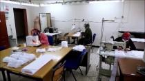 ANTİBAKTERİYEL - Erzurumlu Kadınlar Kovid-19 Nedeniyle Gönüllü Olarak Maske Üretmeye Başladı