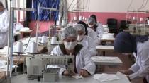 MESLEKİ EĞİTİM - Hakkarili Kadınlar Cerrahi Maske Üretiyor