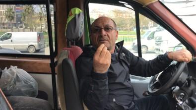 İstanbul'Da Toplu Taşıma Denetiminde İlginç Diyaloglar Kamerada