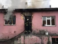 EVLİYA ÇELEBİ - Kütahya'da Ev Yangını, Bir İtfaiye Eri Elektrik Akımına Kapıldı