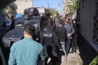 POLİS İMDAT - Polisi Yaralayan Şahıs Vurularak Etkisiz Hale Getirildi