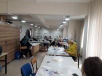 HALK EĞITIMI MERKEZI - Gemlik Halk Eğitimi Merkezi Maske Üretimine Başladı