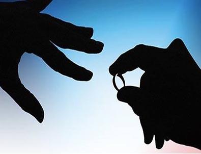 Görülmemiş önlem! Ülkede evlenmek ve boşanmak yasaklandı