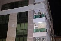 ÇILINGIR - İşitme Engelli Kendini Eve Kilitledi, Polis Kapıyı Çilingirle Açtı