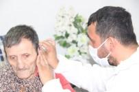 EVDE TEK BAŞINA - Yaşlılara Evlerinde Saç Ve Sakal Tıraşı Hizmeti