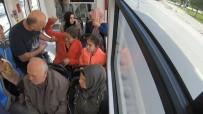 Tramvayda 'Kadına Şiddet' Sosyal Deneyi Duygusal Anlar Yaşattı