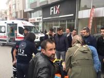 Tosya'da Motosiklet Yayaya Çarptı Açıklaması 2 Yaralı