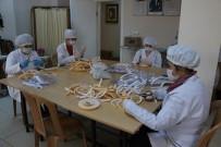 HALK EĞITIMI MERKEZI - 3D Yazıcı Maskeleri Yüze Zarar Verdiği İçin Farklı Bir Yol Denediler