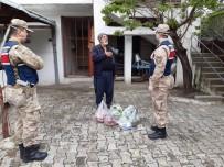 GÖZYAŞı - Hatay'da 65 Yaş Üstü Vatandaşların Yardımına Jandarma Koştu