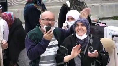 Karantinadan Çıkan Umrecilerden 'En Büyük Nimet Sağlık Ve Özgürlük' Mesajı