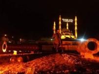CAMİİ - Selimiye Camii'ne 'Evde Kal Türkiye' Yazılı Mahya Asıldı