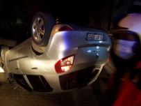 Park Halindeki Otomobile Çarpan Araç Ters Döndü, Sürücüsü Kaçtı