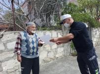 MUSTAFA YAŞAR - 80 Yaşındaki Mustafa Amca Bin Lira Bağış Yaptı