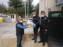 AMATÖR - Esnaf Polis Ekiplerine Yemek Dağıttı
