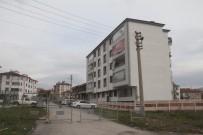 OKTAY KALDıRıM - Elazığ'da, 5 Katlı Apartmana Korona Karantinası