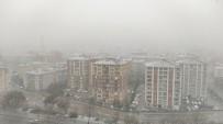KAR YAĞıŞı - Nisan'da Yağan Kar Yozgat'ı Beyaza Bürüdü