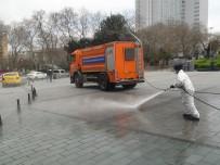 TAKSIM MEYDANı - Taksim Meydanı Korona Virüse Karşı Yıkandı