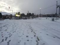 KAR YAĞıŞı - Uludağ'da Nisan Ayında Kar Sürprizi