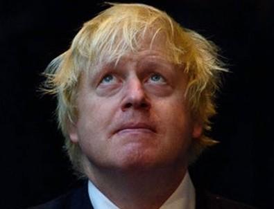 Boris johnson resmen yalvardı ama İngilizler parklara akın etti!
