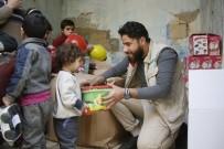 YAŞAM MÜCADELESİ - İdlib'te Aynı Evde Yaşayan 42 Yetim Artık Sahipsiz Değil