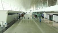 TREN SEFERLERİ - Karantinanın Sona Ereceği Wuhan'da Havaalanı Dezenfekte Ediliyor