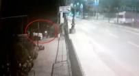 BENZIN - (Özel) Lüks Otomobilin Yanıcı Madde Dökülerek Kundaklandığı Anlar Kamerada