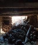 KEÇİ - Siirt'te Aşırı Yağışlardan Dolayı Bir Ahır Çöktü, Çok Sayıda Hayvan Telef Oldu