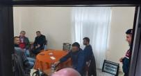 YAVUZ SULTAN SELİM - Alanya'da Çay Servisi Yapılan Kahvehaneye Baskın