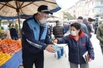 PAZARCI ESNAFI - Ankara'da Pazarcı Esnafına Maske Dağıtımı