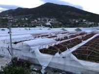 ŞİDDETLİ FIRTINA - Antalya'da Fırtına Seraları Yerle Bir Etti