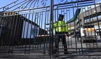 GÜNEŞLI - İngiltere'de 1 Günde 621 Kişi Koronadan Hayatını Kaybetti