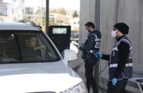 DOLULUK ORANI - Mardin'e Giriş Çıkışlarda Sıkı Tedbir