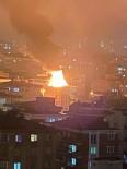 YANGINA MÜDAHALE - Samsun'da Çatı Yangını Korkuttu