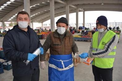 Şuhut'ta Polis Ve Zabıta Ekiplerinden Maske Ve Mesafe Uygulaması