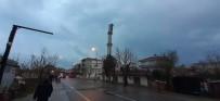 ŞİDDETLİ FIRTINA - Tekirdağ'da Şiddetli Fırtına Cami Minaresini Yıktı