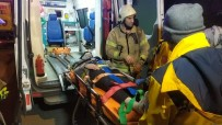 TİCARİ ARAÇ - Başakşehir'de Hafif Ticari Araç İle Çarpışan Otomobil Takla Attı Açıklaması 3 Yaralı