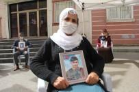 OTURMA EYLEMİ - HDP Önündeki Ailelerin Evlat Nöbeti 217'Nci Gününde