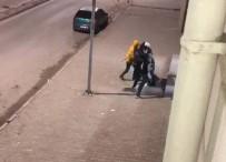 POLİS İMDAT - Kavga İhbarına Giden Polislere Pastalı Sürpriz