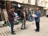 MECLİS ÜYESİ - Sasonlu Eczacı Vatandaşlara 3 Bin Maske Ve Eldiven Dağıttı