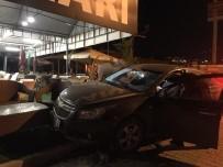 DİREKSİYON - Alkollü Sürücü Mobilya Dükkanına Girdi