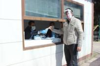 TECRIT - Belediye Kendi Ürettiği Maskeleri Ücretsiz Dağıtıyor