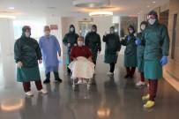 YAŞAM MÜCADELESİ - Doktorların Umudunu Kestiği Korona Hastası Alkışlarla Taburcu Oldu