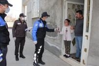 HALKBANK - Engelli Kız Tayyip Dedesi'nin Başlattığı Kampanyaya Kumbarasını Bağışladı